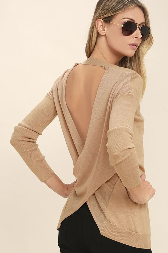 Rule the land with one easy-to-wear piece ... the Reign Over Light Brown Backless Sweater Top! This medium-weight knit sweater has a V-neck, long sleeves, and overlapping back with accent strap at top.