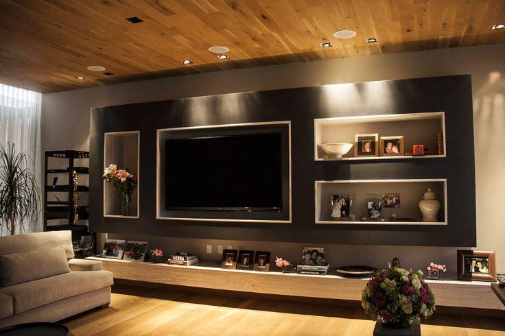 Casa SS. Cuarto de juegos / Mueble de TV / Decoración / Plafón de madera / Piso de madera.  Código Z Arquitectos.