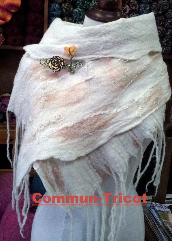 jolie foulard feutré par Marie-France   lovely felted scarf created by Marie-France