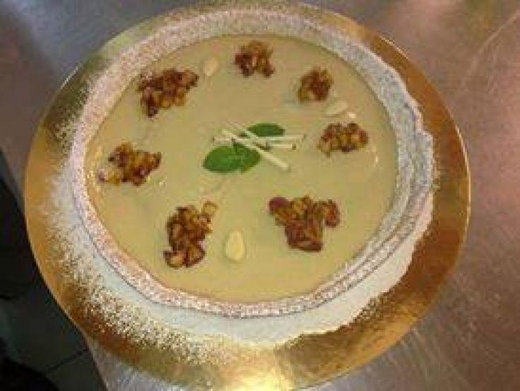 Crostata con Crema alla Cannella, Mele Annurche Caramellate e Mandorle Tostate