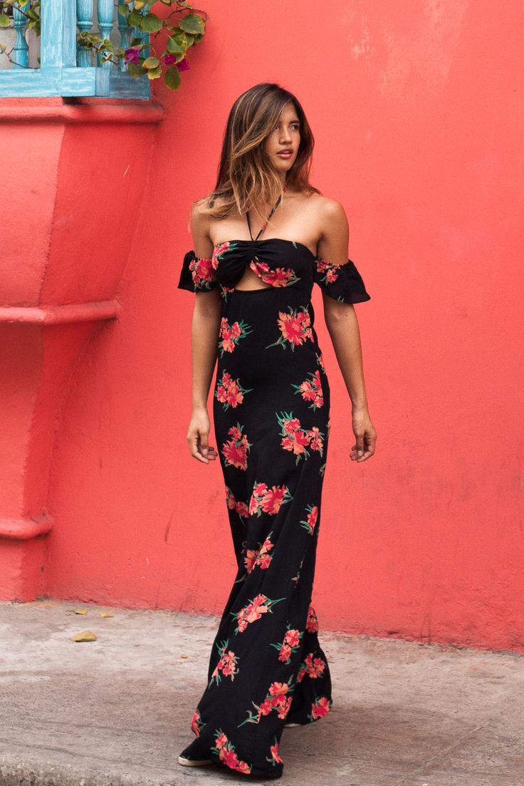 I WANT THIS!! How gorgeous is this dress   Does anybody know where I can get something like this?