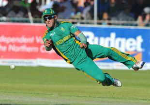Faf du Plessis to captain and bat at 4