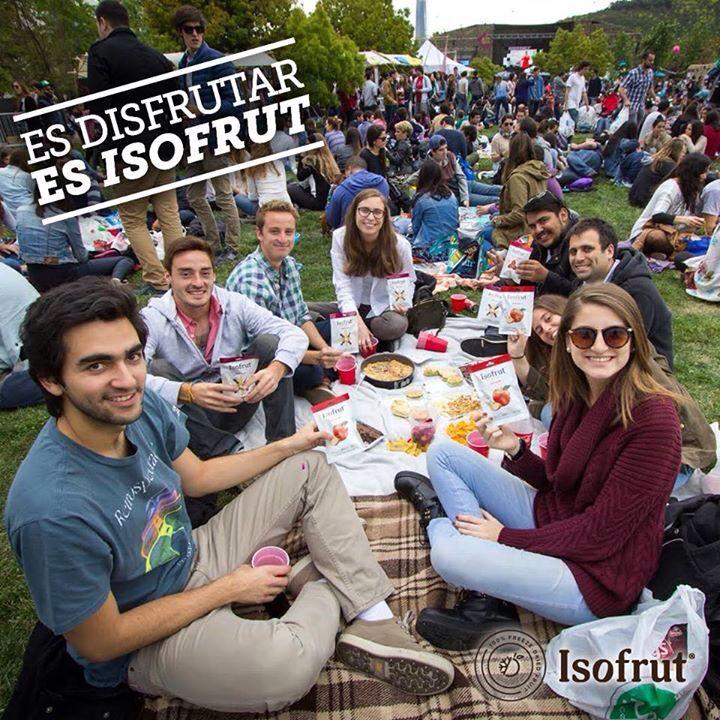 ¡Toma tu #Isofrut favorito y disfruta los más de 30º grados que harán hoy!   Aprovecha de tener un domingo al aire libre con el mejor snack.