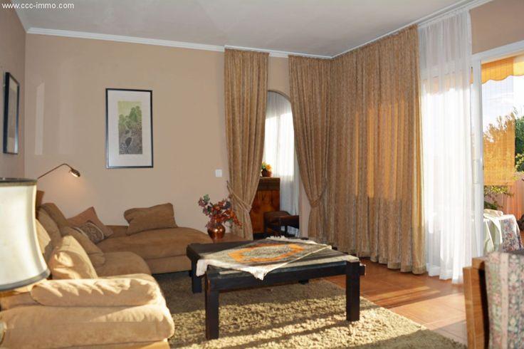 Möblierte 60m² 2-Raum-Wohnung mit 2 Balkons & Gemeinschaftspool: Diese gemütliche zwei Zimmer Wohnung befindet sich im 3. OG einer der exklusivsten Wohnanlagen in Cala Ratjada, direkt...