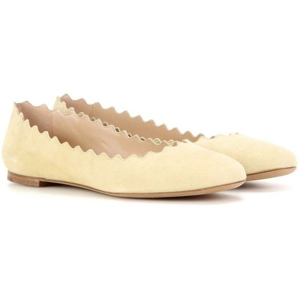 Chloé Lauren Suede Ballerinas ($400) ❤ liked on Polyvore featuring shoes, flats, beige, ballerina shoes, beige shoes, ballet flats, ballet shoes and ballerina flats
