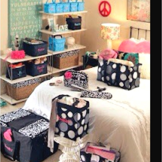 Great Way To Utilize Thirty One To Organize Your Bedroom Or Dorm!  Www.mythirtyone Part 65
