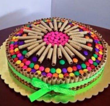 decoracion de tortas con golosinas faciles