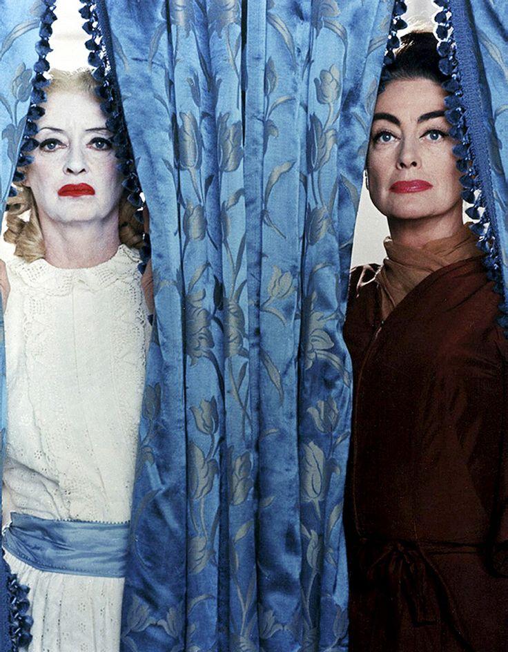 Bette Davis y Joan Crawford en una imagen promocional para Qué fue de Baby Jane?, 1962. (Fuente: thisisnodream, vía filmsbeyondfilms)