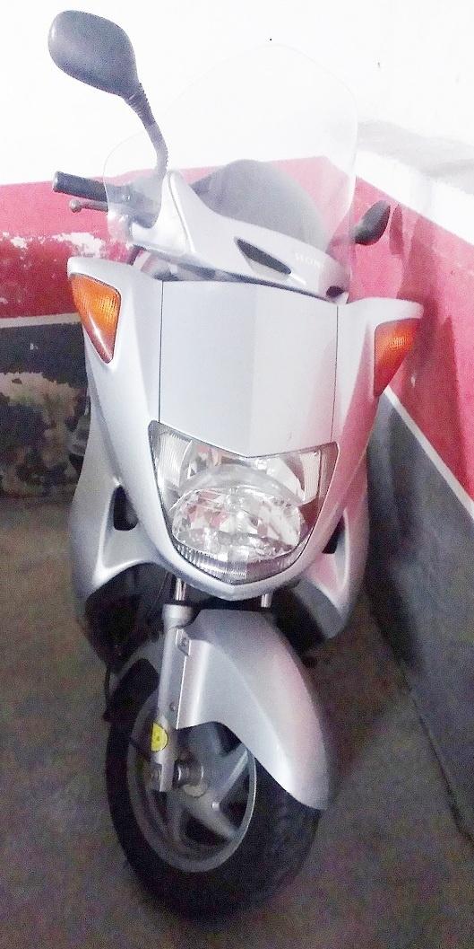 Moto en muy buen estado.  Anuncios de #coches #motos nuevas y de #segundamano #Girona #España