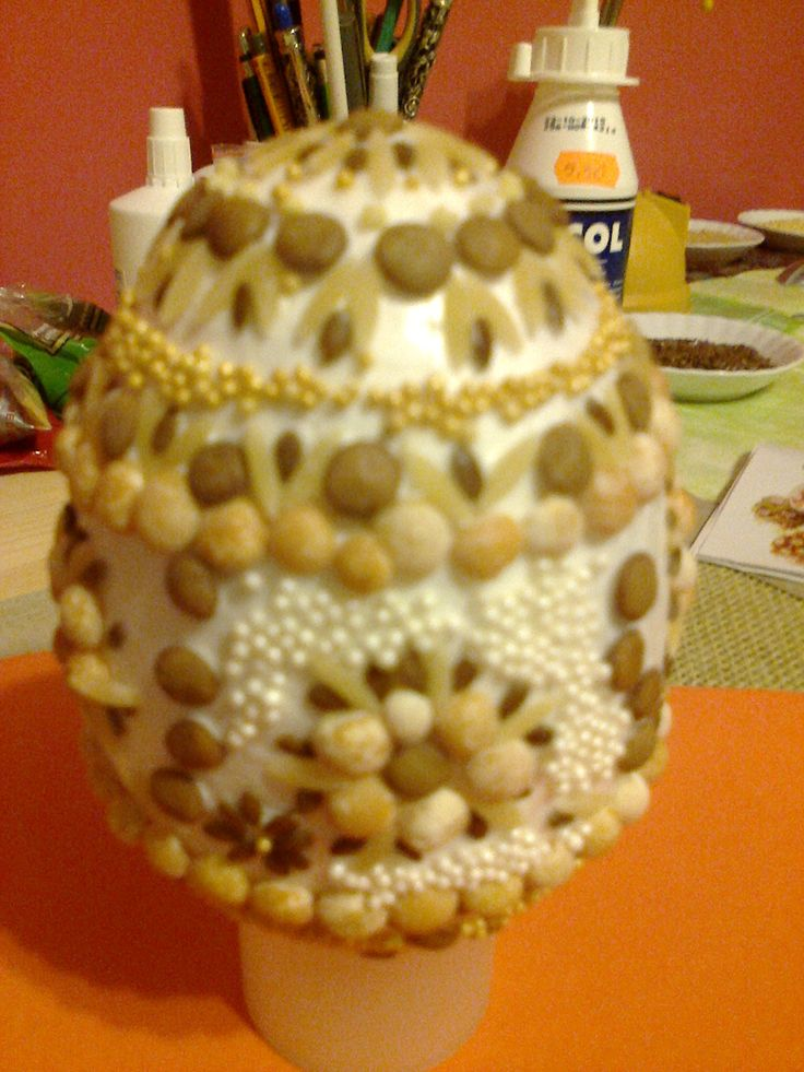 styropianowe jajko ozdobione nasionami - polystyrene egg decorated with seeds