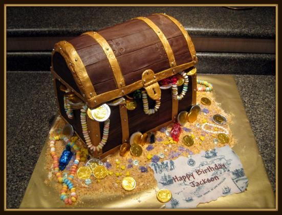 1000 Images About Treasure Chest Cakes On Pinterest