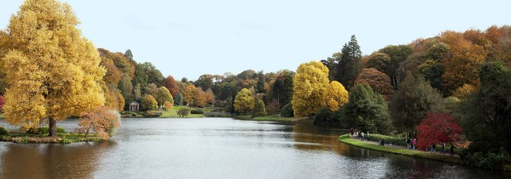 Stourhead Gardens, Wiltshire. | 21 Gorgeous Panoramic Shots From Around Britain
