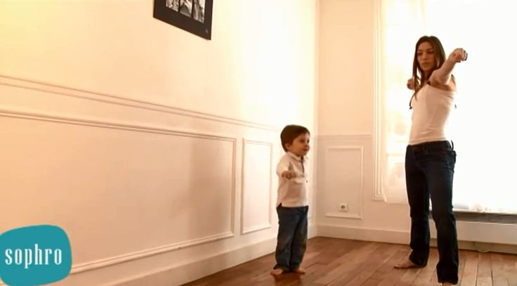 Découvrez 5 exercices de relaxation dynamique dans cette vidéo de sophrologie ludique pour les enfants.