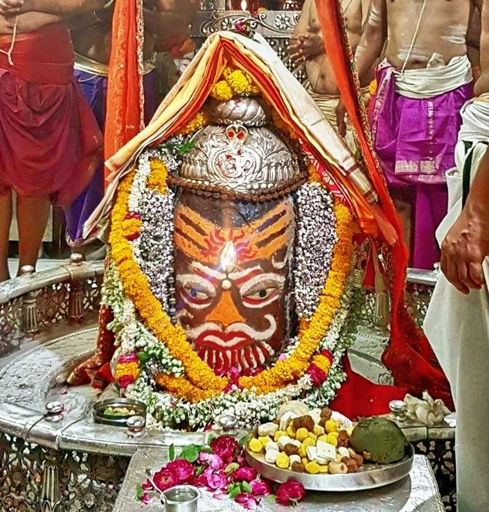 #Bhasma #Aarti pic of Shree #Mahakal #Ujjain - Apr. 26             . . . Follow our FB page: www.facebook.com/ujjaintravel   . . . #शिव #उज्जैन #महाकाल #ॐ #mahakal#mahakalcity #ujjain #loveujjain #ujjaindiaries#Mahakaleshwar #shiv #shivratri #shiva#omnamahshivay #bholenath #jaimahakal#jaibholenath #harharmahadev #mahadev #travel#tourism #MPTourism #ujjain_travel #temple