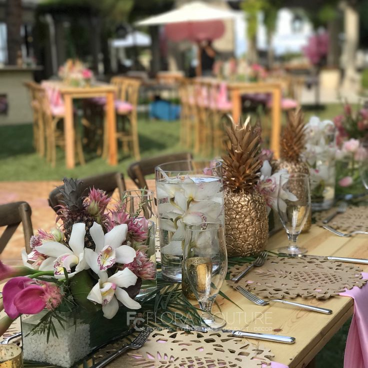 30 best centerpieces images on pinterest center pieces flora couture by floral 2000 offers fresh flower delivery las vegas save money by sending flowers directly with a local florist mightylinksfo