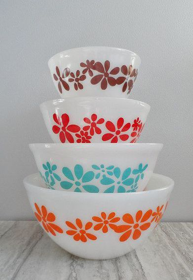"""Vintage Pyrex """"agee"""" from Australia - man I need these so bad..."""