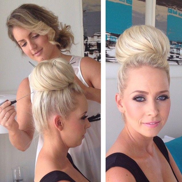 Rachel Simms - Make-up and Hair www.facebook.com/rachaelsimmshairmakeupandbeauty rachaelsimms@y7mail.com 0429808852
