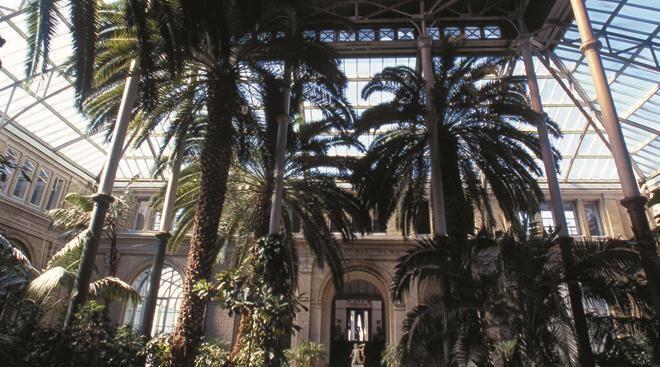 Ny Carlsberg Glyptotek  Glyptoteket rommer to hovedsamlinger: Én er viet antikkens store, gamle sivilisasjoner rundt Middelhavet, den andre dansk og fransk kunst fra 1800- og 1900-tallet.