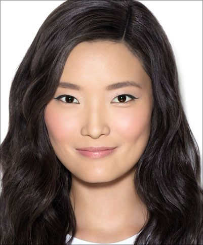 Makeup Lesson - Secret to Standout Eyes | Bobbi Brown France E-commerce Site