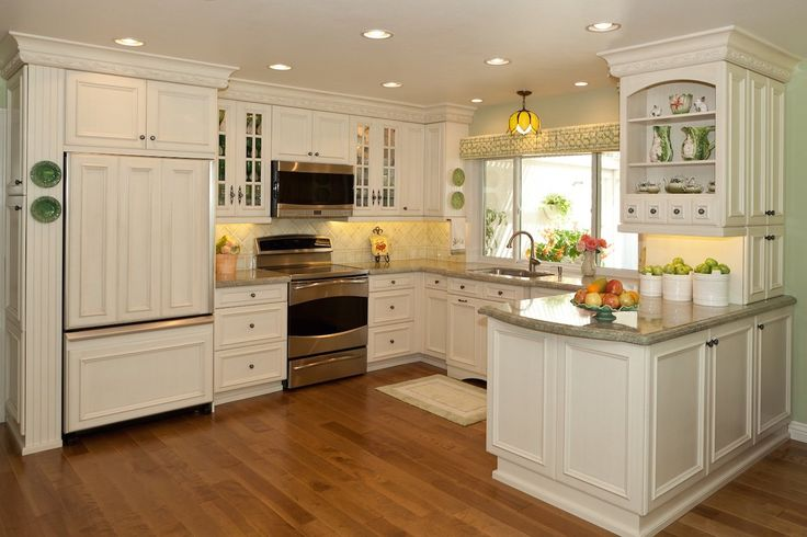 Gorgeous kitchen in Orange County, California. Traditional beach cottage style