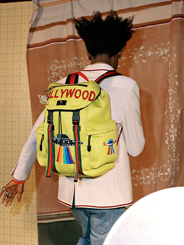 6a90a88b1527 A mesh techpack with embroidered
