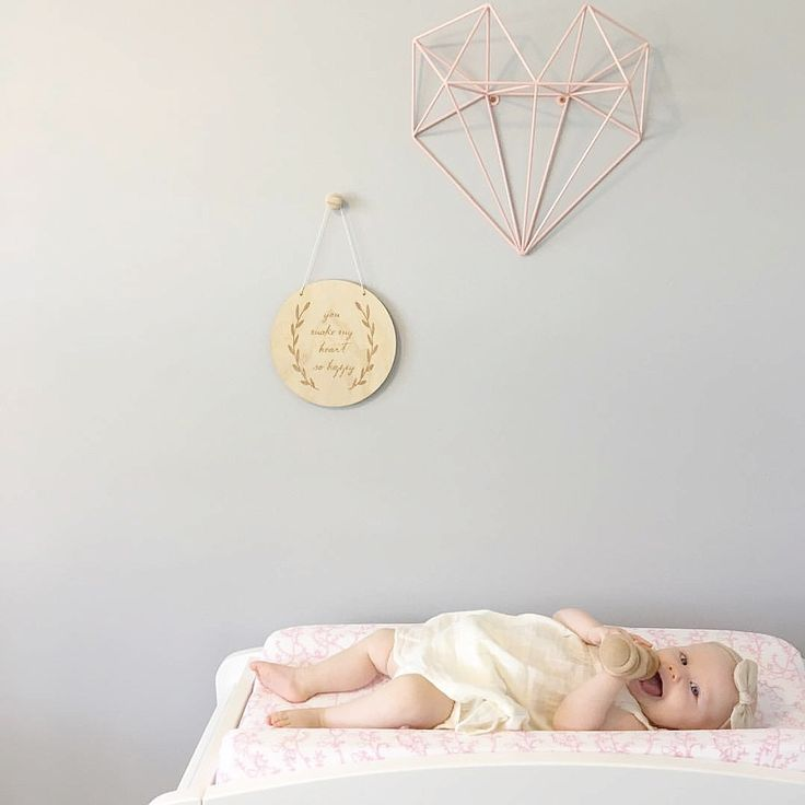 Pretty little room! Our little gem Bassinet sheet set can also be used as a change table cover! Pretty clever  #babyroom #nurseryideas #babybedding