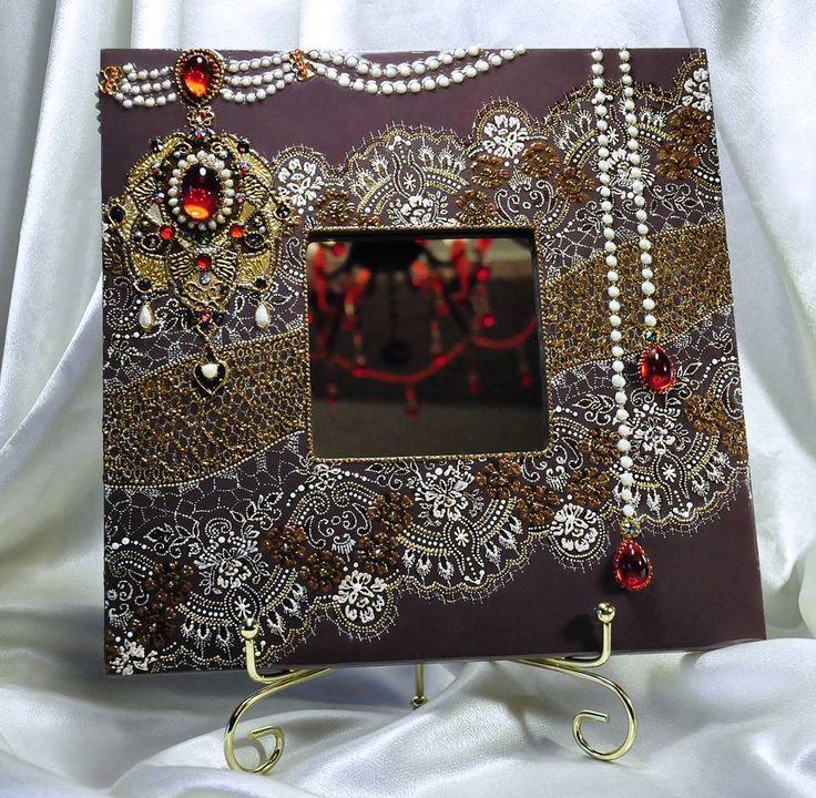 NEW. Начинаем новый год с последней работы 2016 года. Заказчица была очарована зеркалом Шанель и захотела что-то подобное, но в коричнево-золотых тонах. Очень признательна ей, что она не пожелала полного повтора,  в результате - новое французское кружево и другое колье с крупной жемчужиной в подвеске в форме сердца на кулоне😍 #handmade #handpainted #mirror #зеркало #exclusive #decor #design #interiors #pointtopoint #назаказ #lace #beautiful  #ручнаяработа #творчество #art #royal #эксклюзив…