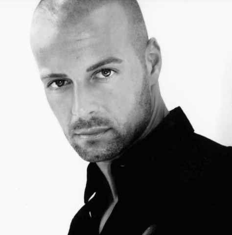 Joey Lawrence. JOEY LAWRENCE. JOEY. Damn.