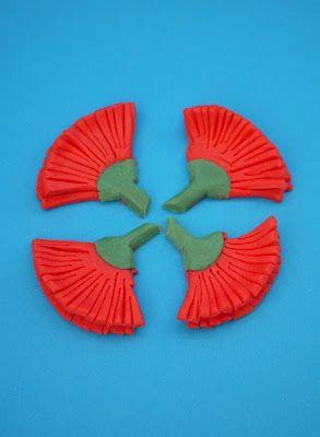 The Mucky MacBook: Tutorial: Fondant Pohutukawa Cupcake Toppers...