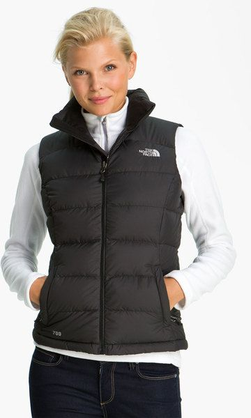 From the classic look of The North Face Osito jackets to insulated Thermoball jackets, find your match with a variety of styles, fabrics and jacket constructions from The North Face. The North Face has styles for the entire family. Shop women's The North Face® jackets and vests, men's The North Face jackets and vests and youth jackets.
