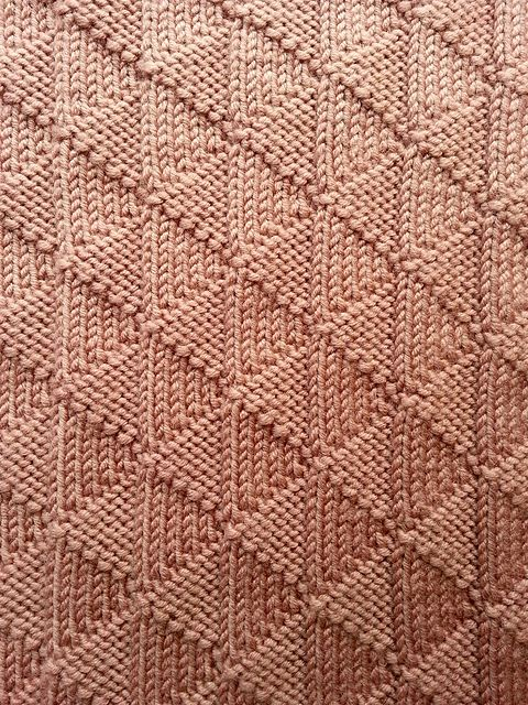 Ravelry: Triangle Rib Scarf pattern by Squibbly Bups
