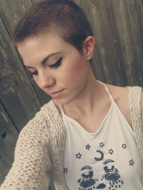 If I could I'd totally shave my head like this. However, having a flat head has its setbacks