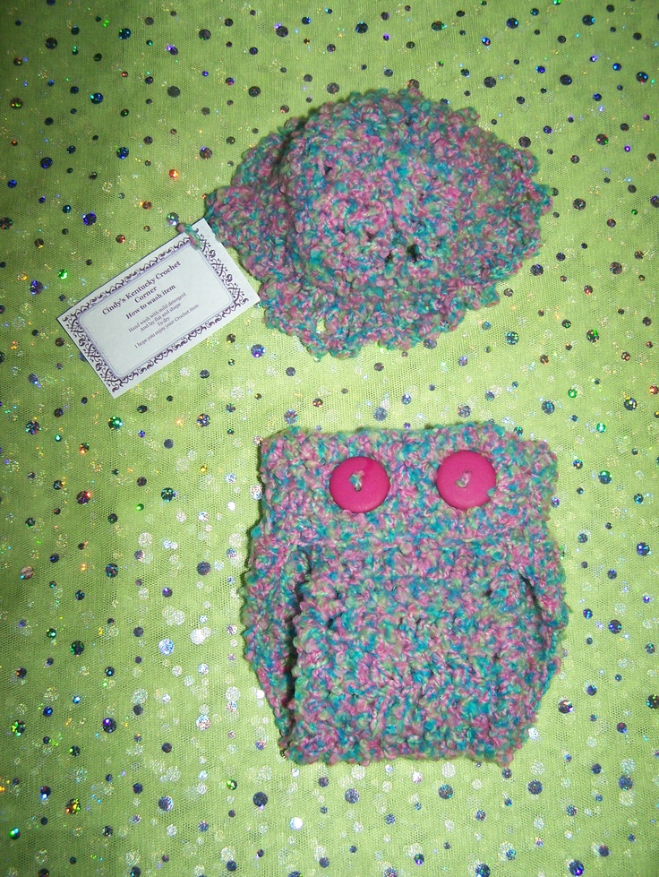 Fun hat and diaper set great for a fun outfit or photography props