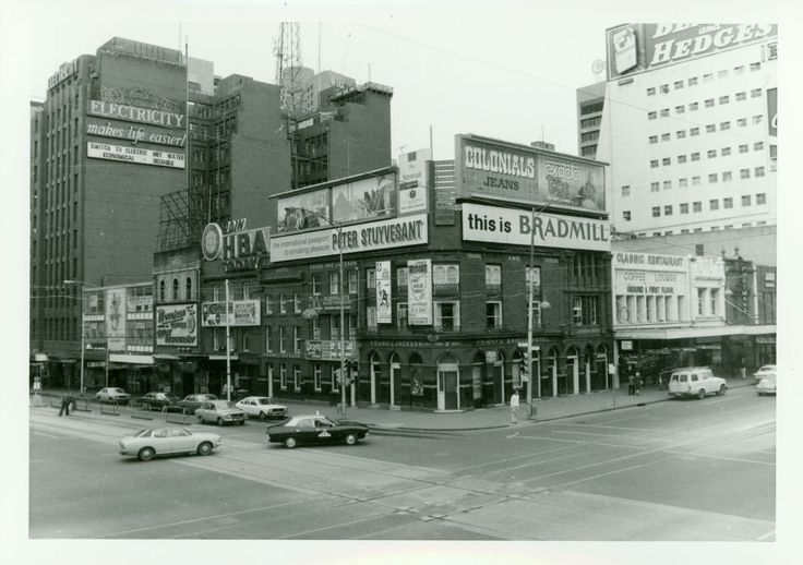 This is a great pic to double click to see details. And what an empty old town! Melbourne - Princes Bridge Hotel - better known as Young and Jacksons. Cnr Swanston and Flinders Street. 1977. On the left the Former State Electricity Commission (SEC) Buildings: 238 Flinders Street (built 1936). photo John T. Collins.