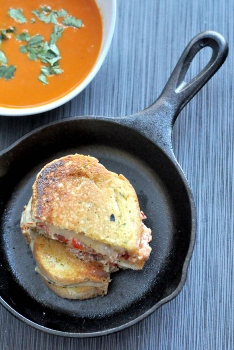 Bacon and Pimento Grilled Cheese Sandwiches easy