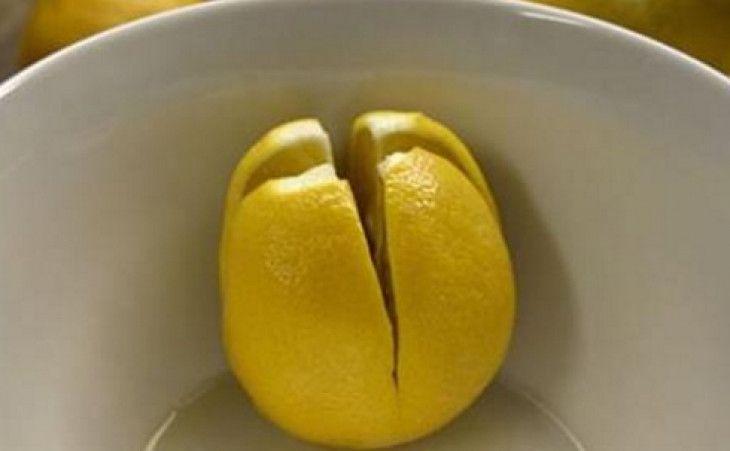 Il limone è un agrume che si presta a molteplici utilizzi in casa e in cucina. Tutti conosciamo le sue innumerevoli virtù benefiche.Tanto per cominciare, il suo profumo è davvero gradevole:non appena annusiamo una fetta di limone, subito ci viene trasmessa una sensazione di pulizia e fresch...