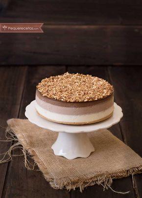 La tarta tres chocolates Thermomix es muy fácil de hacer. Con la receta Thermomix, hacer la tarta tres chocolates será un juego de niños.