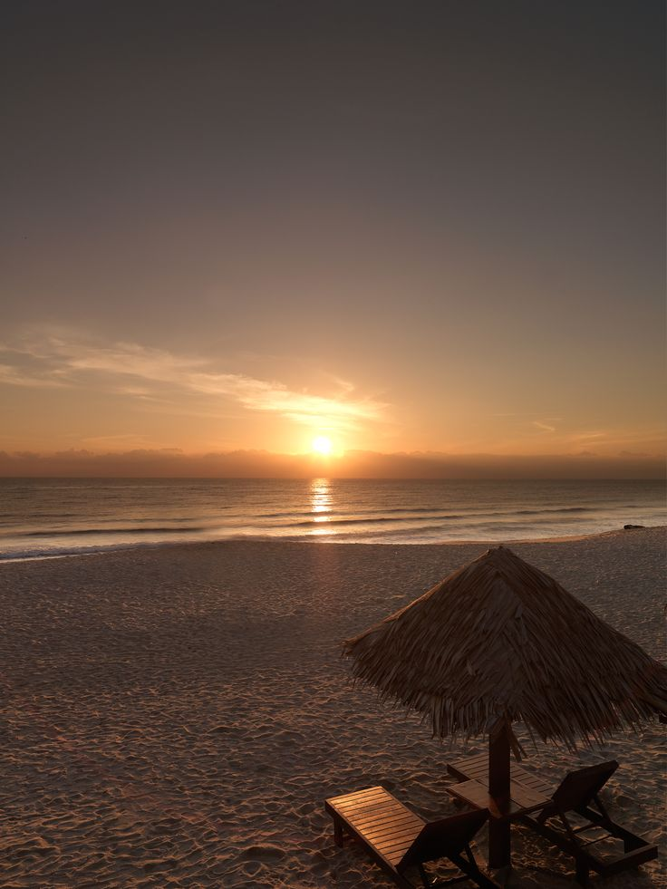 Hyatt Regency Kuantan sunrise at the beach #hotel #travel #kuantan #5starhotel #destination #hotelkuantan #travelingideas #holiday #sunrise #beach
