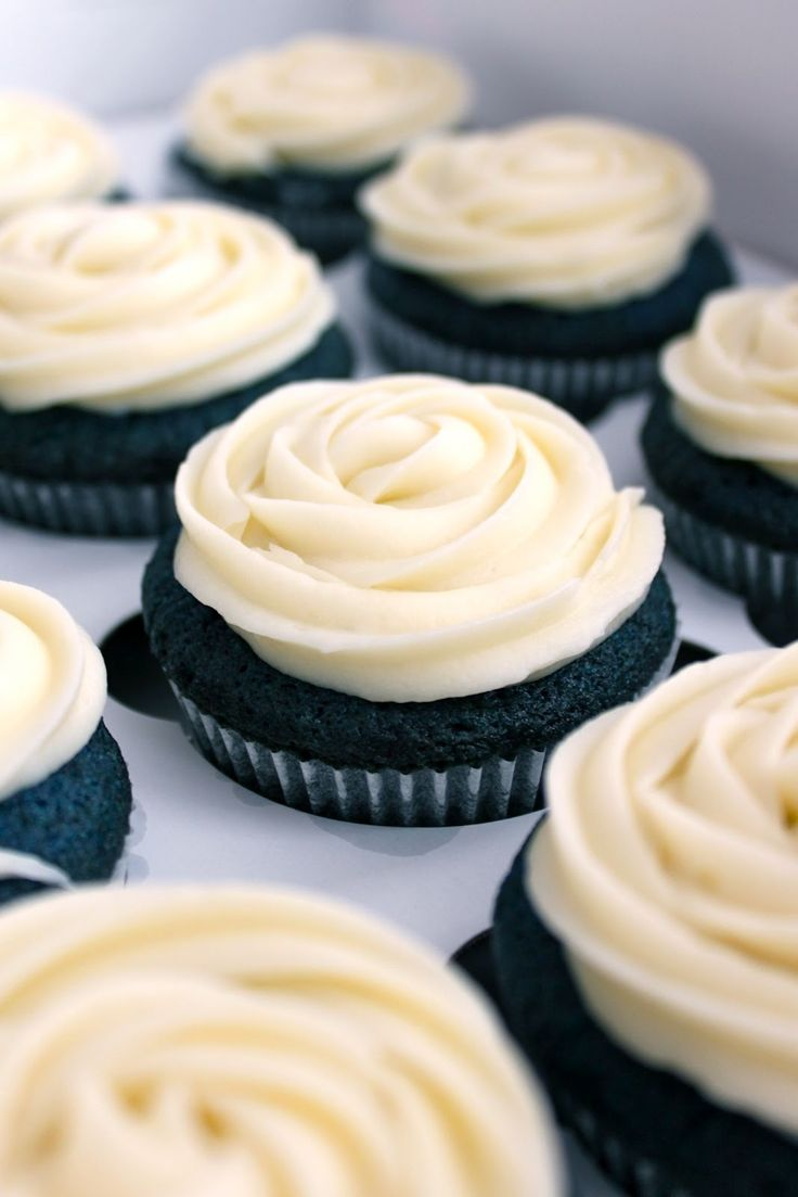 We all know about Red Velvet but look at these Blue Velvet Cupcakes