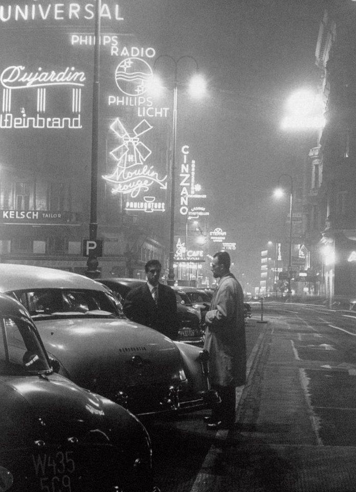 The kärntnerstraße in vienna by night 1950 photo by fred lauzensky