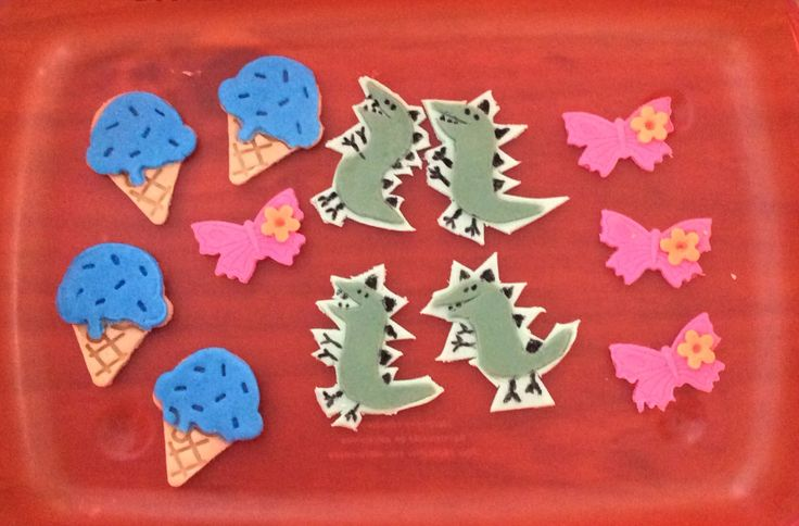 Dinosaur, ice cream and butterfly oreo toppers