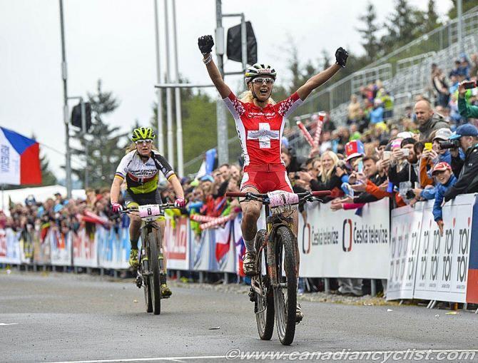 Jolanda Neff (Stoeckli Pro Team) wins ahead of Gunn-Rita Dahle Flesjaa