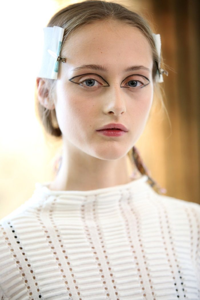 Best of Beauty From SS 2018 PWF graphic eyeliner