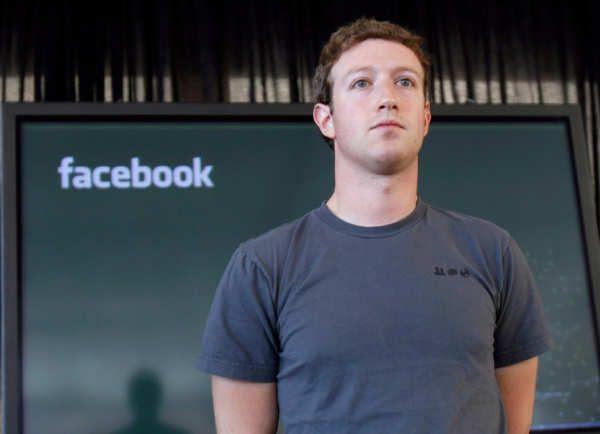 Las reglas secretas de Facebook para borrar publicaciones incluyen ejemplos que dicen mucho de la filosofía actual de la compañía.Cuando tienes dos mil millones de usuarios, es inevitable que haya rencillas; incluso más, es inevitable que algunos usuarios quieran directamente asesinar a otros. Tal es la naturaleza humana, y Facebook, como reflejo del mundo real, no se escapa.La gran diferencia es que Facebook no es un planeta, es una compañía;...
