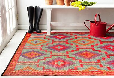 Love this outdoor rug.