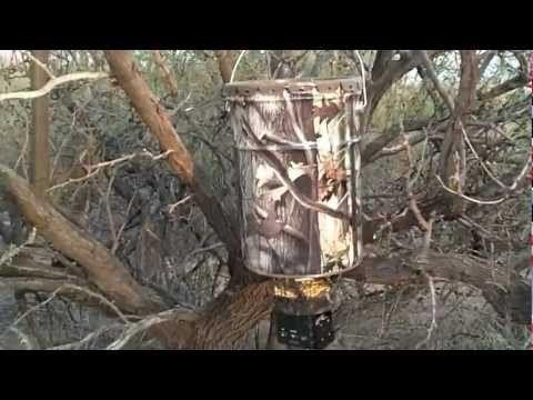 Stealth Moultrie all in one hanging deer feeder - http://deerfeeders.co/stealth-moultrie-all-in-one-hanging-deer-feeder/