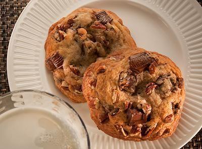 Indulgent Bake Shop Chocolate Chunk Cookies
