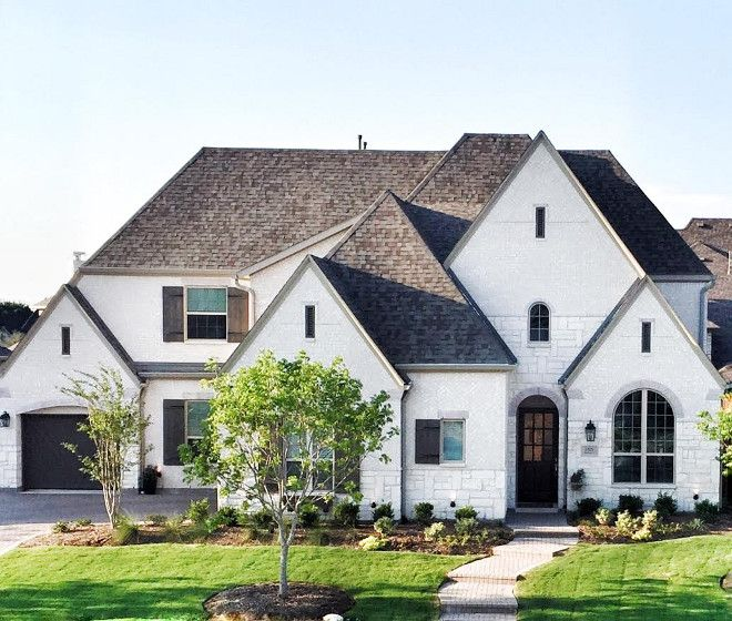 Stone Luxury Home Designs: 25+ Best Ideas About Stone Exterior On Pinterest