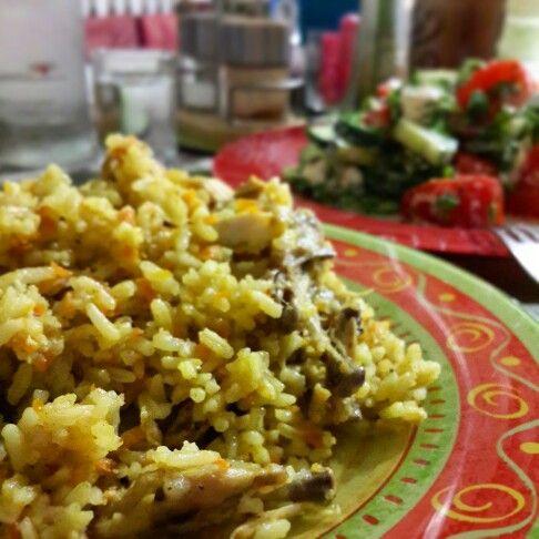 На ужин плов из курочки и греческий салат-хорошее завершение трудового дня! For dinner, chicken pilaf and Greek salad-good ending day of work!