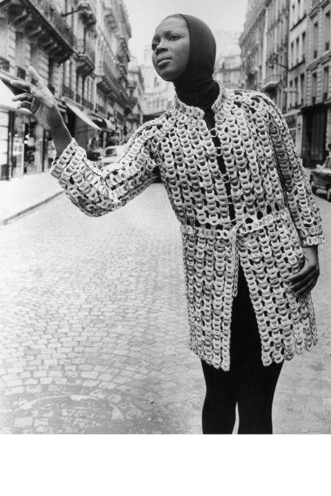 20 Vintage Paris Street Style Photos - Vintage Street Style Fashion